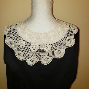 Vintage crochet collar. One size